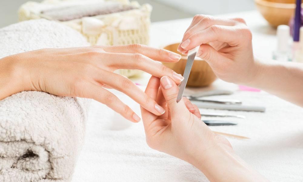 Ingrijirea unghiilor: sfaturi si tratamente