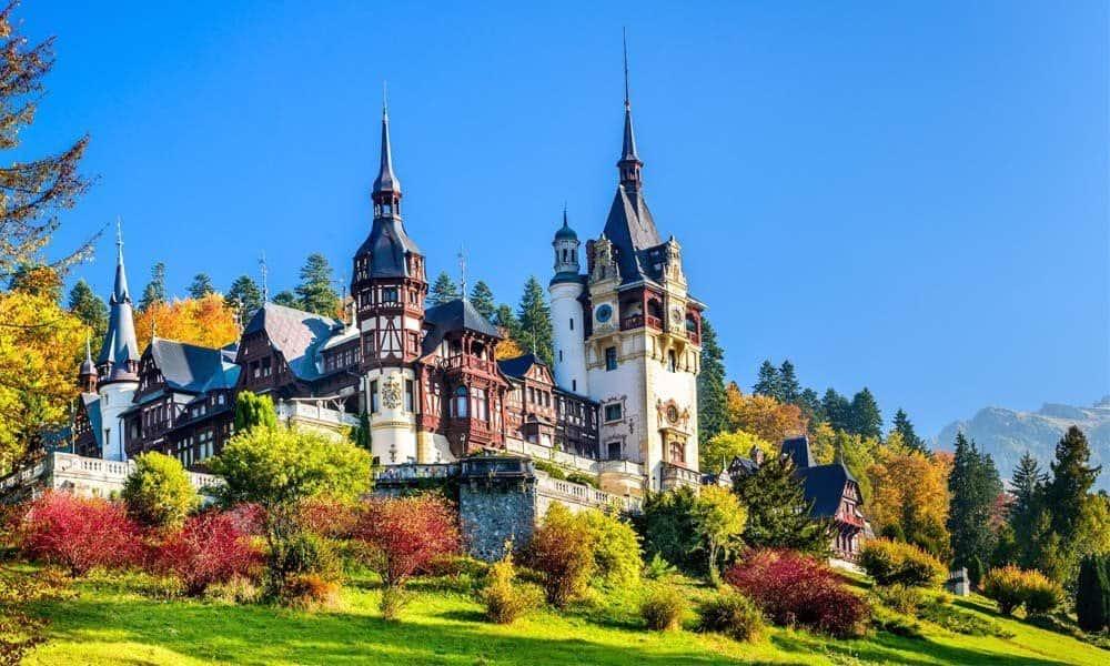 Mirajul vacantelor la munte: obiective de poveste din Romania