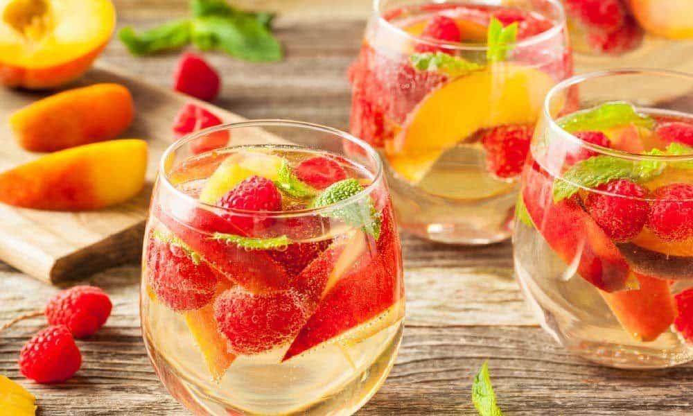 Cum sa obtii bauturi sanatoase si delicioase de vara
