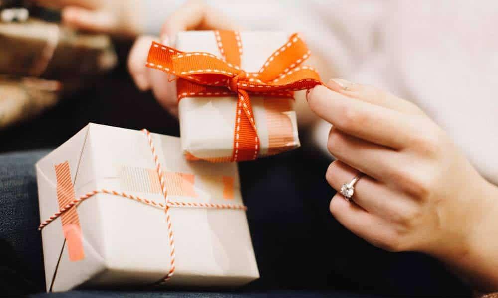 Ghidul nepriceputului pentru alegerea cadoului ideal