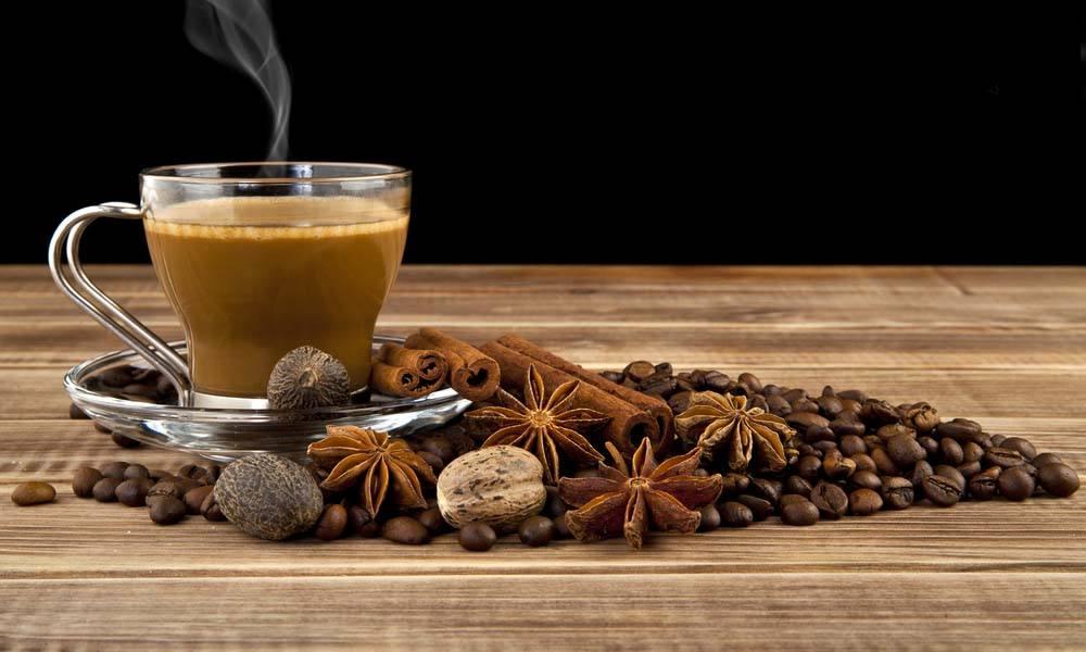 Condimente pentru cafea, un plus de savoare si energie