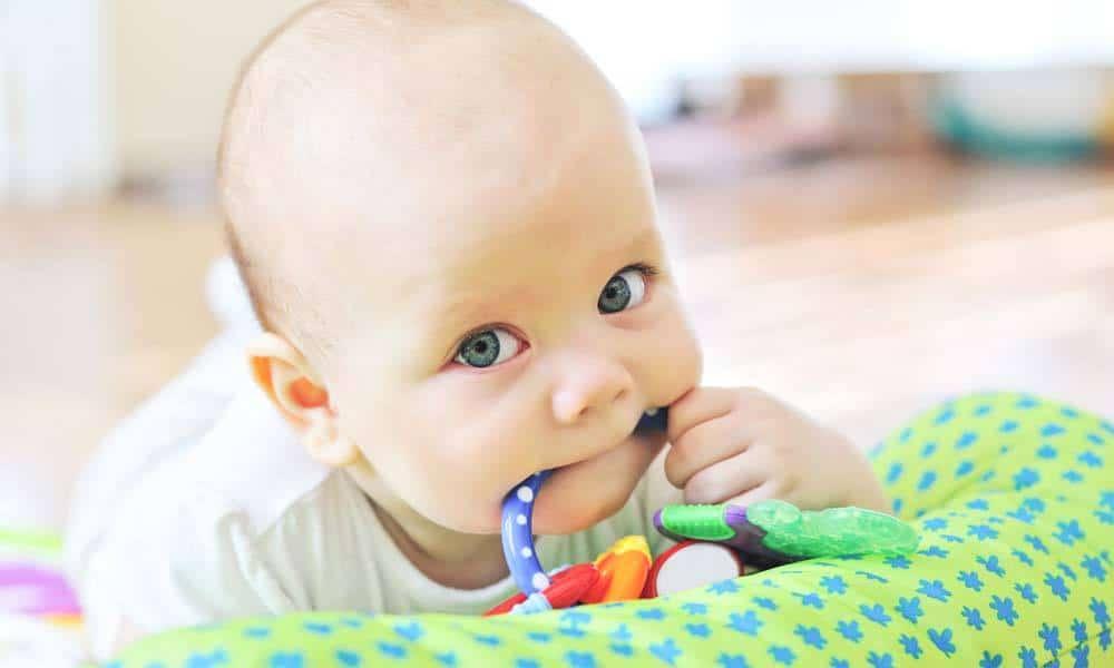 Metode de calmare a durerilor de dinti la bebelusi