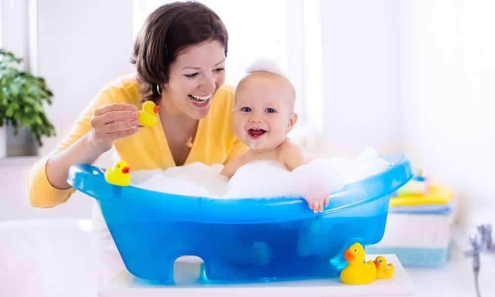 Ce trebuie sa stii despre baia bebelusului