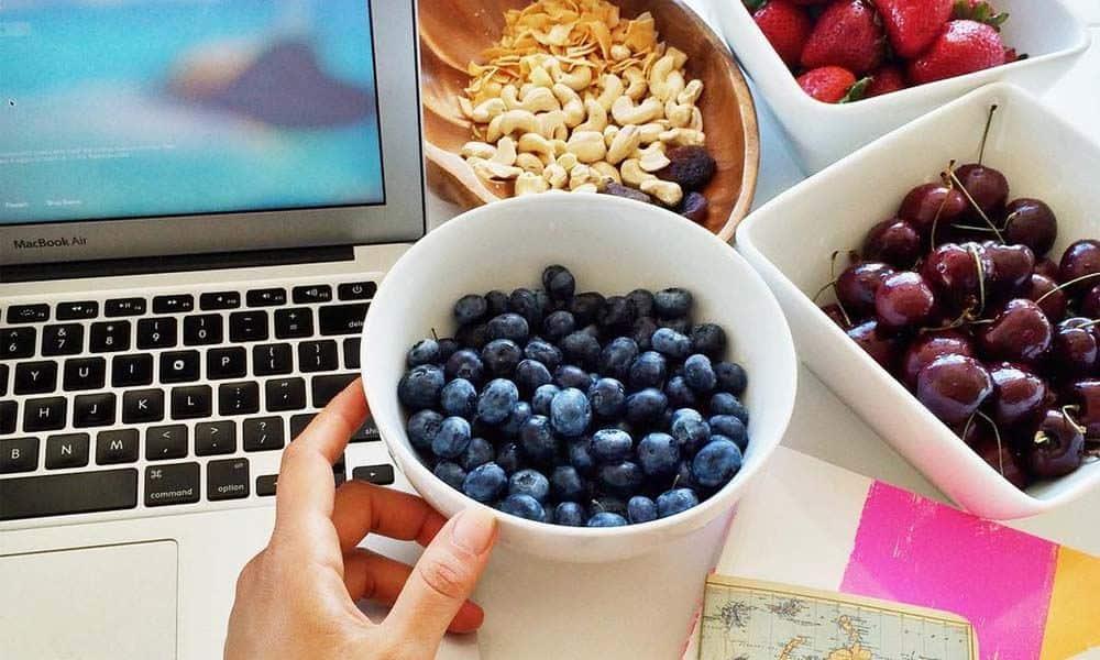 Cele mai bune gustari dietetice pentru birou