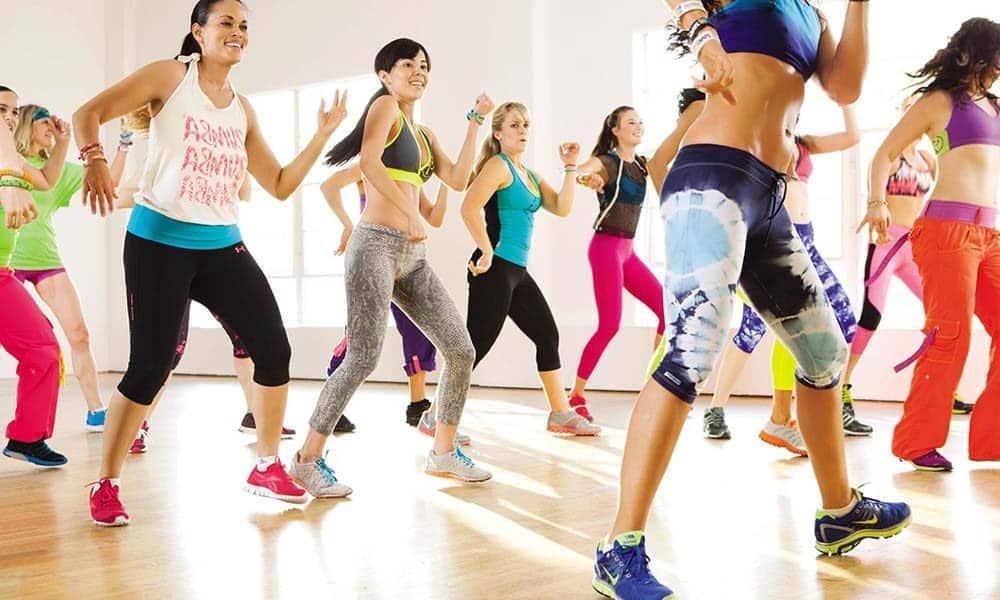 Antrenamente de fitness si aerobic la moda