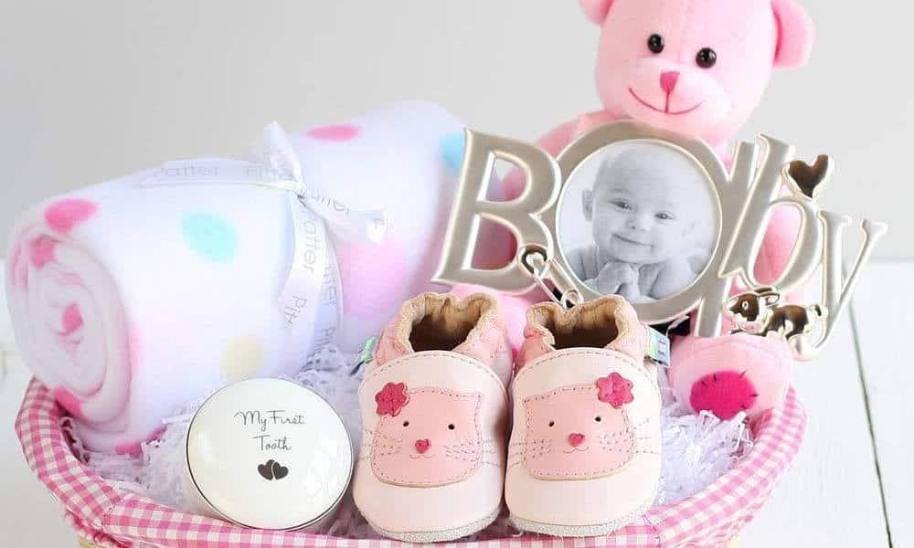 cadou pentru proaspata mamica si bebelusul ei