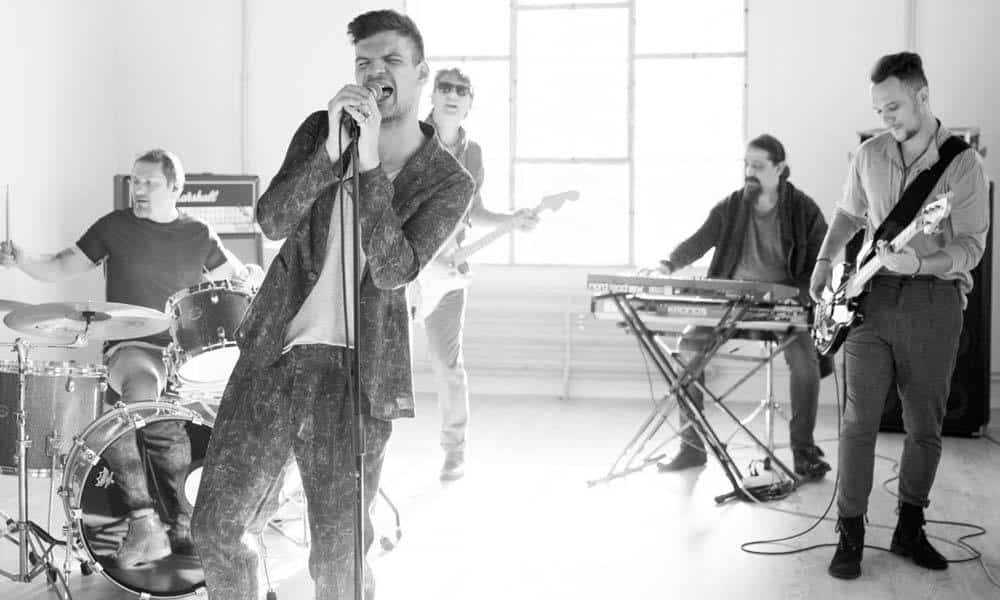 Trupa Vama isi lanseaza in octombrie cel de-al treilea album