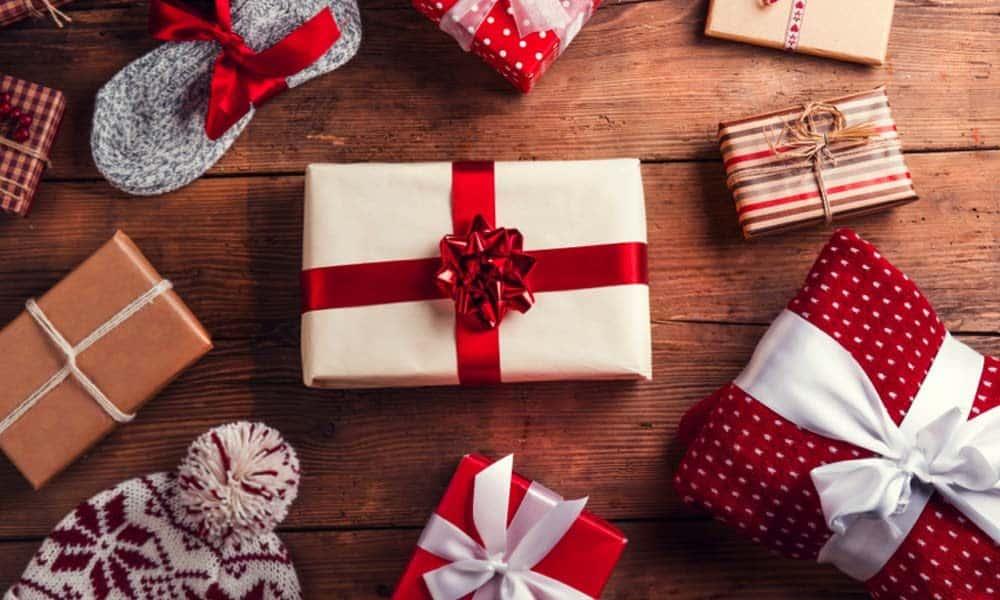 Idei de cadouri de Craciun pentru persoana iubita