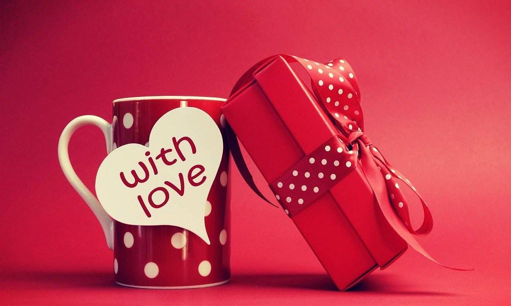 Idei de cadouri cu care sa va surprindeti partenera de Valentine's Day