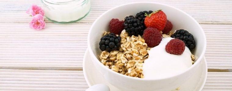 ovaz cu iaurt carbohidrati